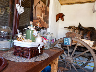 Darčekové košíky, bio produkty, upomienkové predmety, sušené bylinky a slovenské produkty